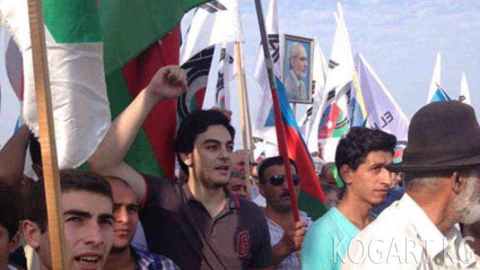 Азербайжандагы референдум: активисттерге кысым көрсөтүү күчөдү