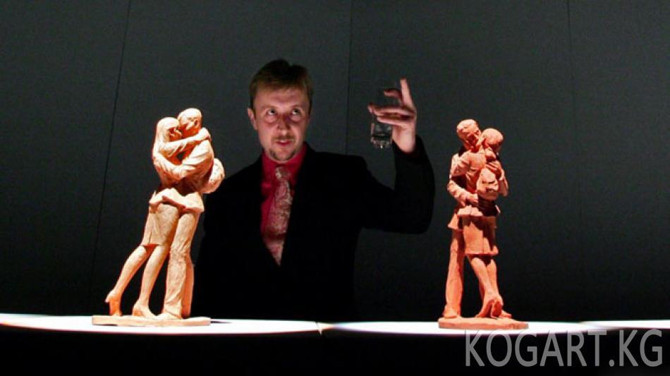 Британ скульпторун Ислам Каримовдун эстелигин жасоодон баш тартууга...