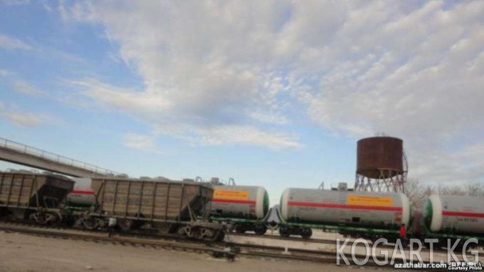 Орусия менен Кыргызстан төлөмсүз мунай ташуу келишимине кол койду