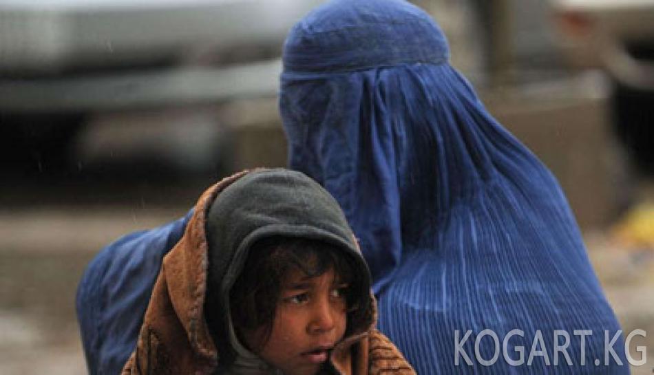 Пакистандык аял өз кызын тирүүлөй өрттөп жиберди