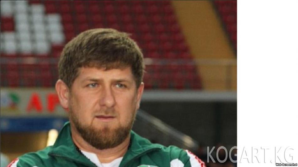Кадыров юморист Слепаковдун ырына ыр менен жооп кайтарды