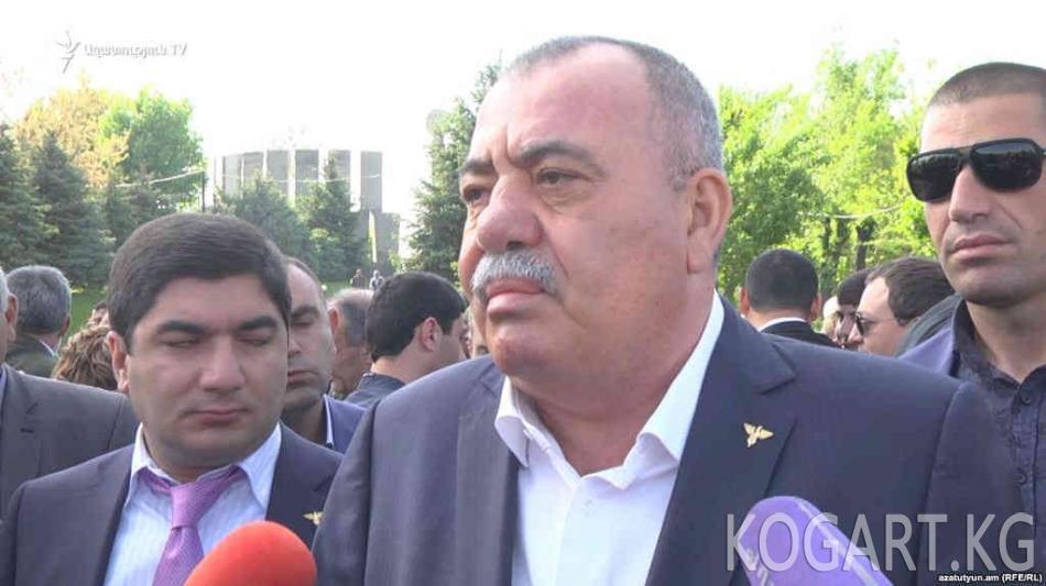 Арменияда коррупциялык иш боюнча генерал-депутат кармалды (ФОТО)
