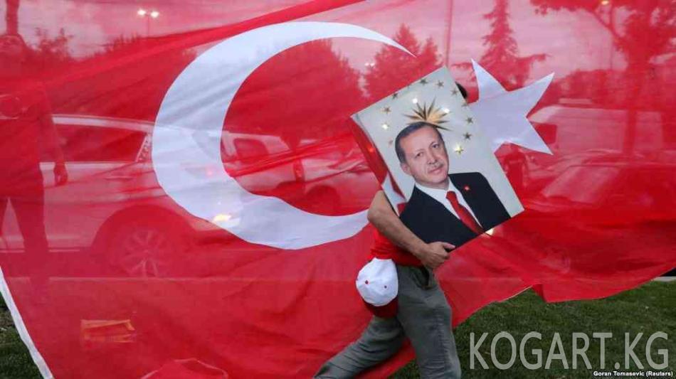 """Эрдоган Түркияга """"жаңы доордо жаңыча өнүгүүгө"""" убада берди"""