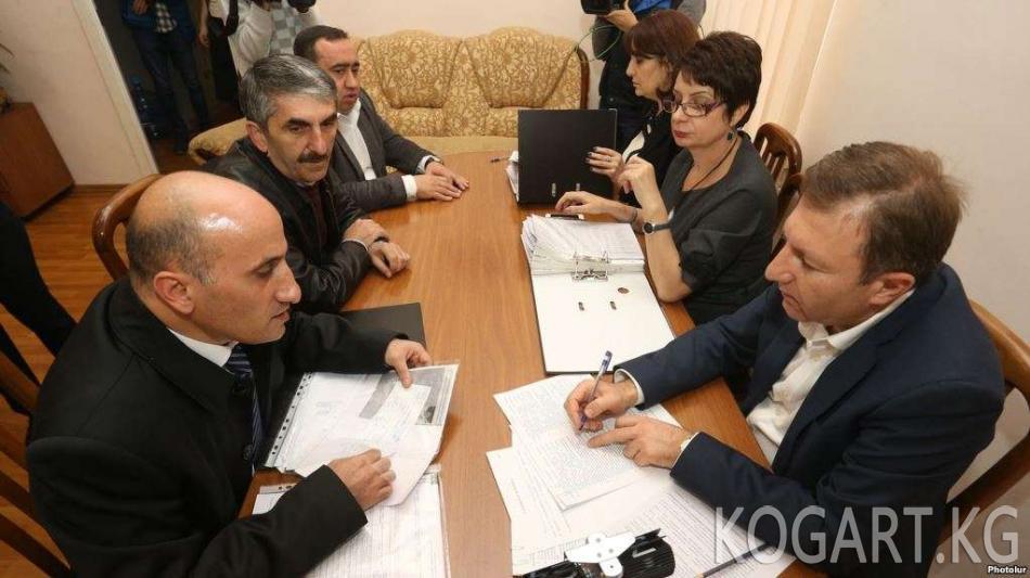 Армения: парламенттик шайлоого 9 партия жана 2 блок талапкерлерин...
