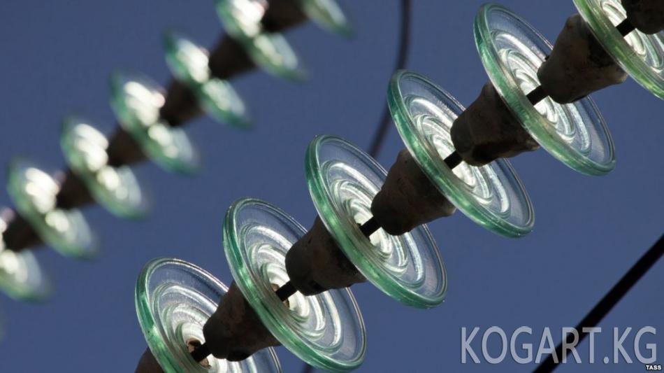 Өзбекстанда электр энергиясы үчүн төлөнгөн 17 миң долларды кымырып...