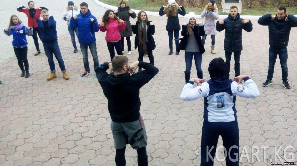 Өзбекстанда мамлекеттик кызматкерлер дене тарбия көнүгүүлөрүн...