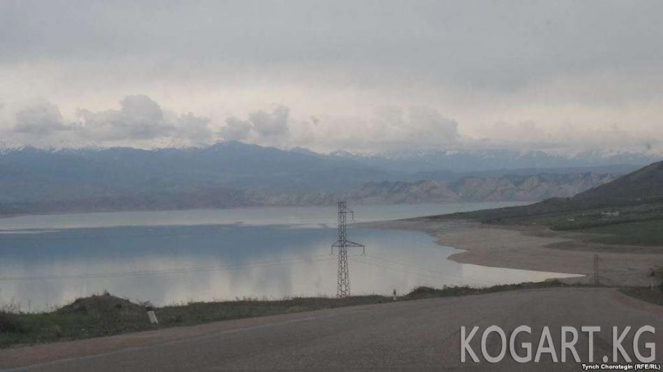 Кыргызстан коңшу өлкөлөргө сууну сатууну көздөөдө