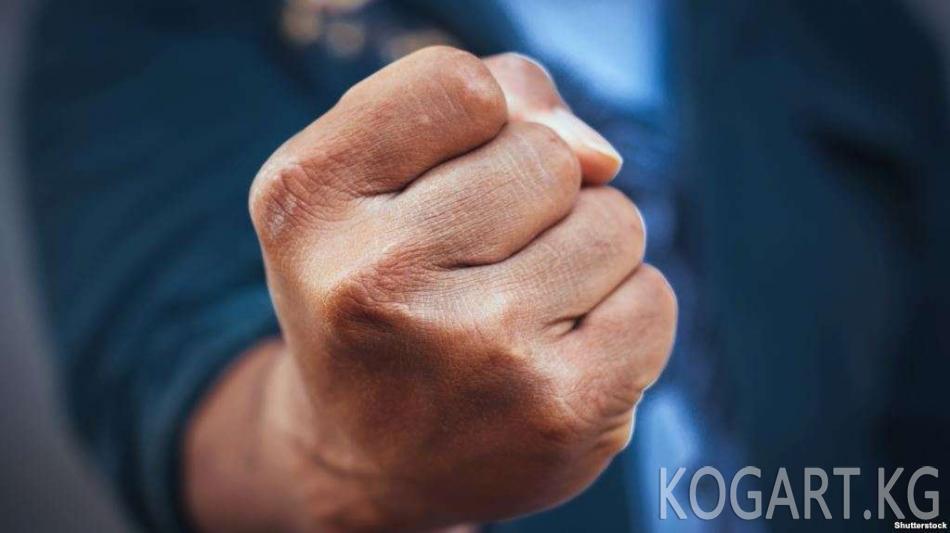 Өзбекстанда окуучулардын мугалимдер тарабынан сабалышы текшерилет