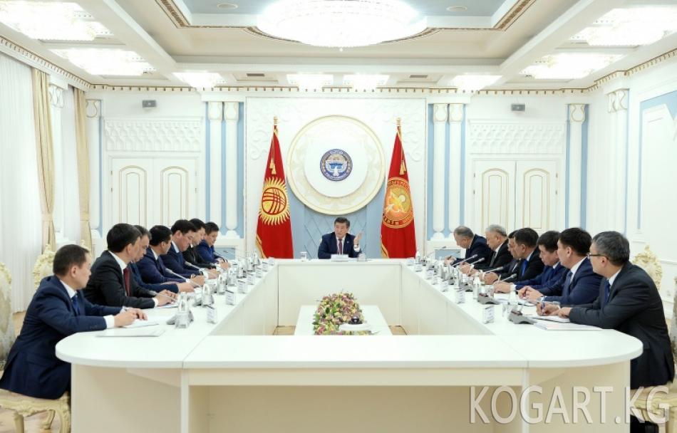 Президент Сооронбай Жээнбеков облустардын жетекчилери менен...
