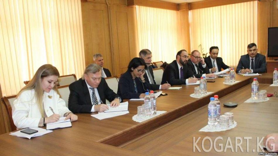 Душанбе Эл аралык валюта фондунан $220 млн алууга үмүттөнүүдө