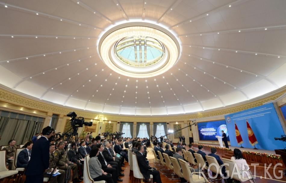 Президент Сооронбай Жээнбеков Кыргызстандын чет өлкөлөрдөгү...