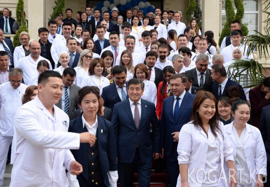 Президент Сооронбай Жээнбеков Кыргызстанды