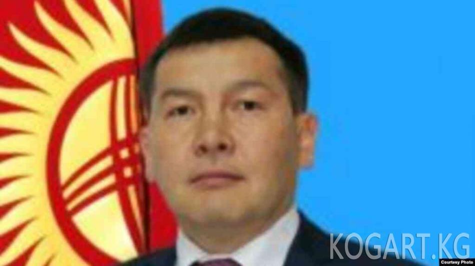 Президент Сооронбай Жээнбеков УКМК төрагасы Идрис Кадыркуловду...