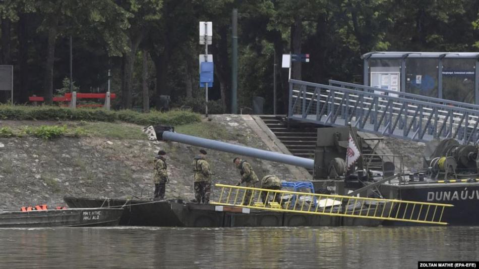 Венгрияда туристтердин кайыгы менен кагышкан кеменин капитаны...