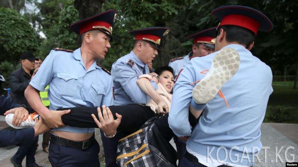 Казакстандагы митингдер маалында төрт миңге жакын киши кармалган