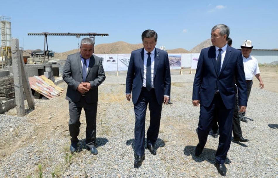 Президент Сооронбай Жээнбеков Баткен шаарында 18 ишканалык өнөр жай...