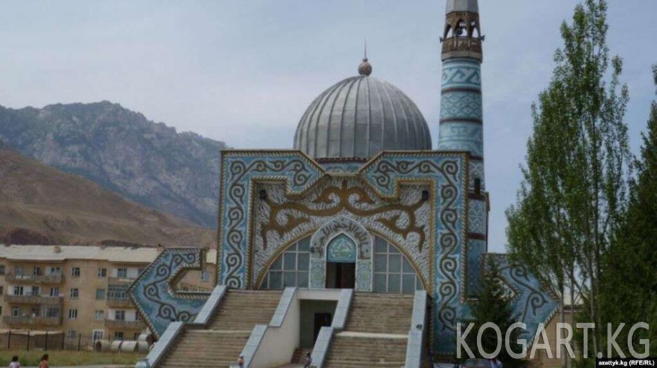 Чотоев: Мечит салууга чектөө киргизүү маселеси чечиле элек