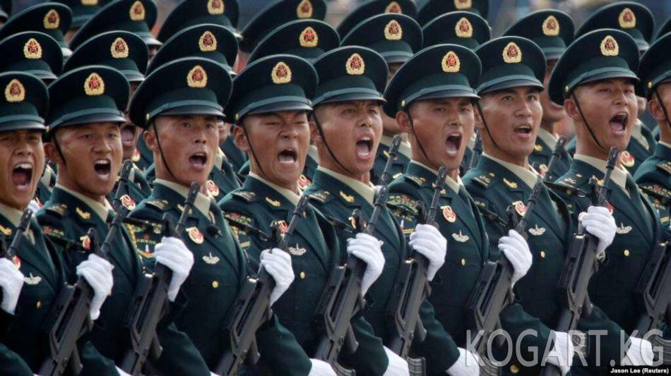 Бээжинде аскердик парад, Гонконгдо нааразылык акциялар өттү