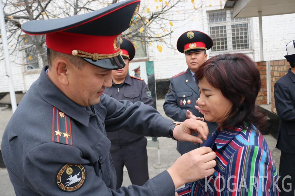 Жалал-Абадда ОИИБде «Офицердин жубайы» медалы тапшырылды(ФОТО)