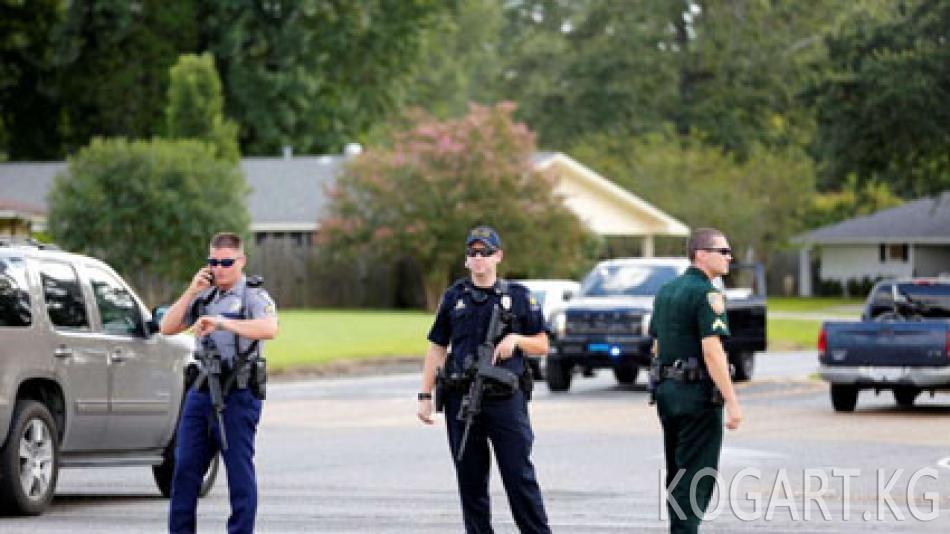 АКШда полиция тобу буктурмага кабылып, үчөө өлтүрүлдү