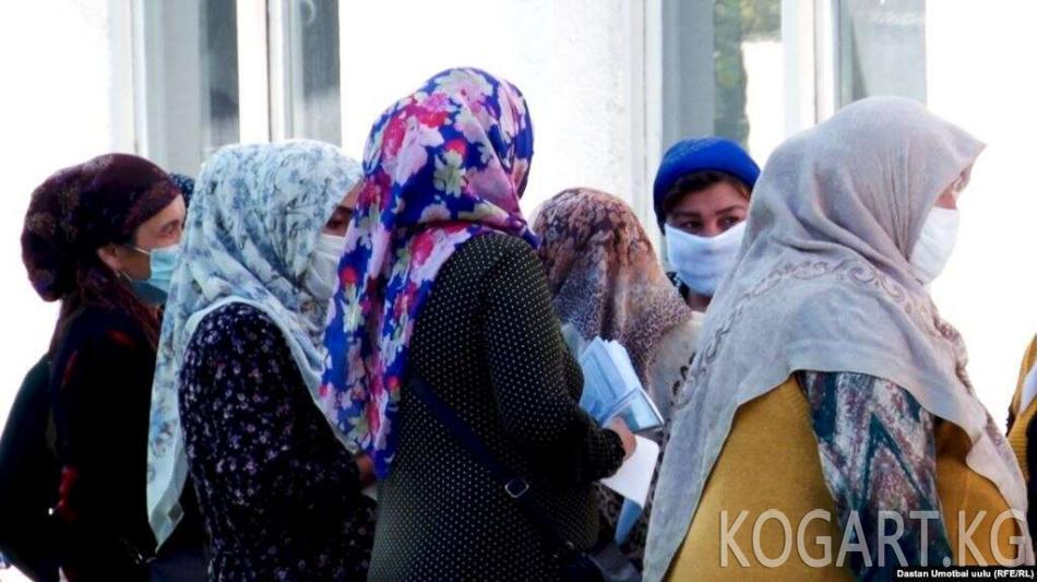 Кыргызстандык 50 келинди Өзбекстан кабыл алды