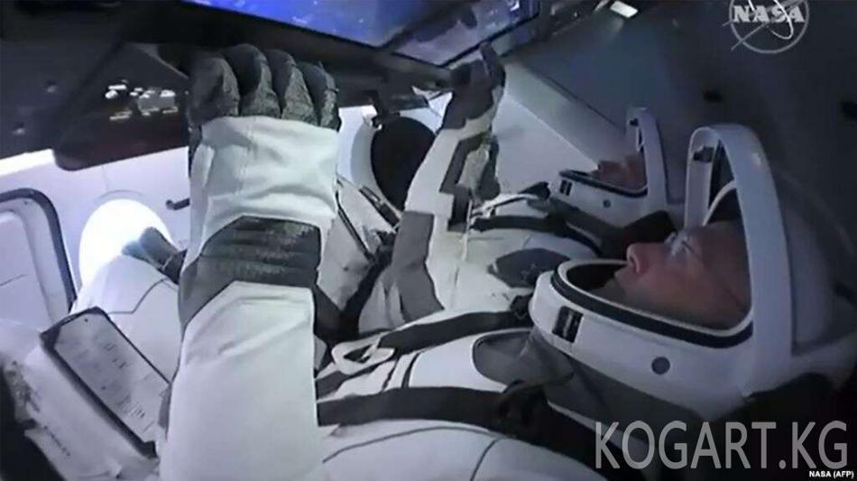 Илон Масктын кемеси Эл аралык космос станциясына жалгашты