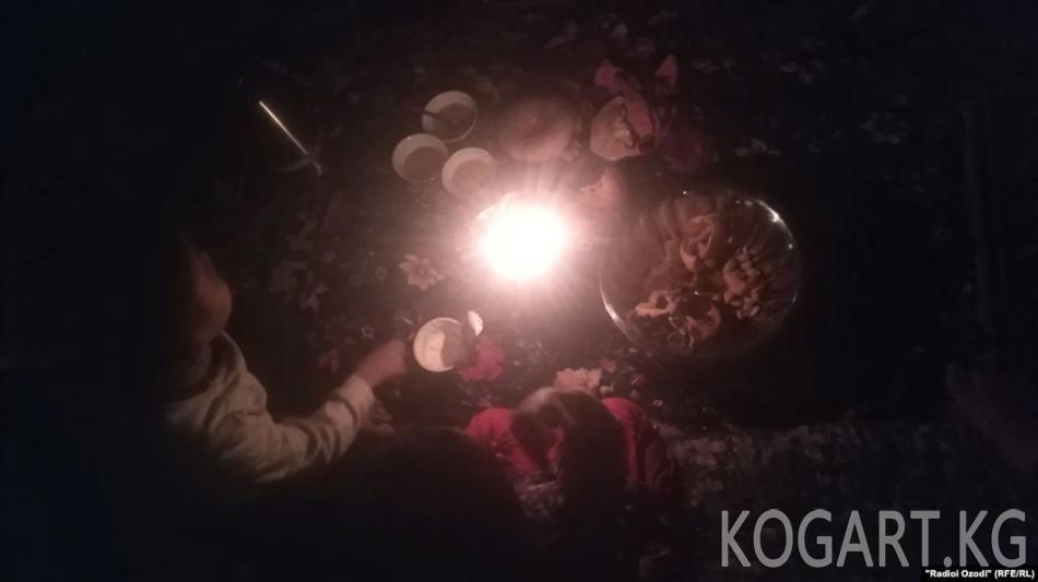 Тажикстандын айылдарында электр энергиясын колдонууга чектөө киргизилди