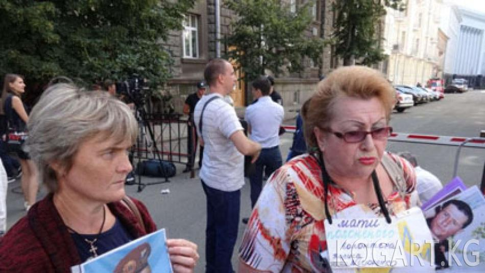 Донбасстагы жикчилдердин туткунунда 107 киши бар